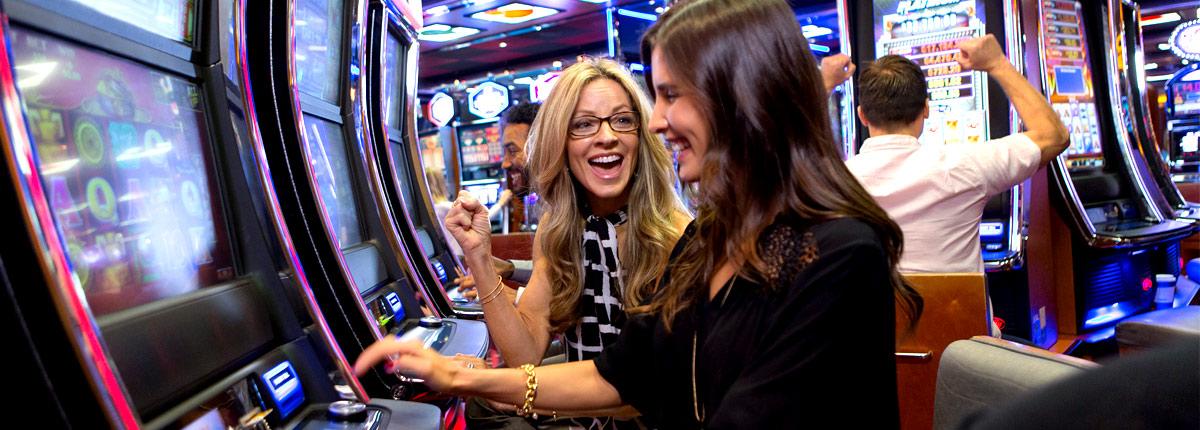 enjoy the slot machines on carnival cruises